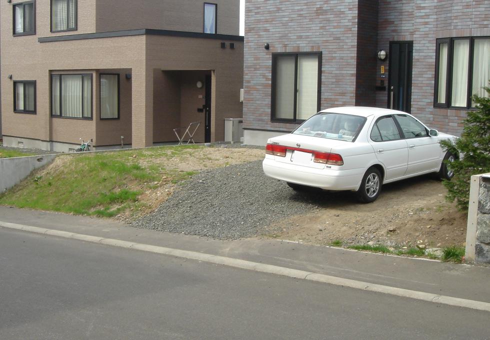 ガレージ設置、インターロッキング工事(札幌市手稲区)施工前の写真