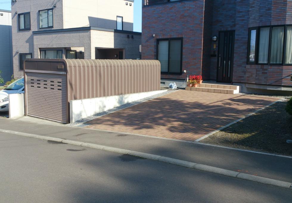 ガレージ設置、インターロッキング工事(札幌市手稲区)完成写真