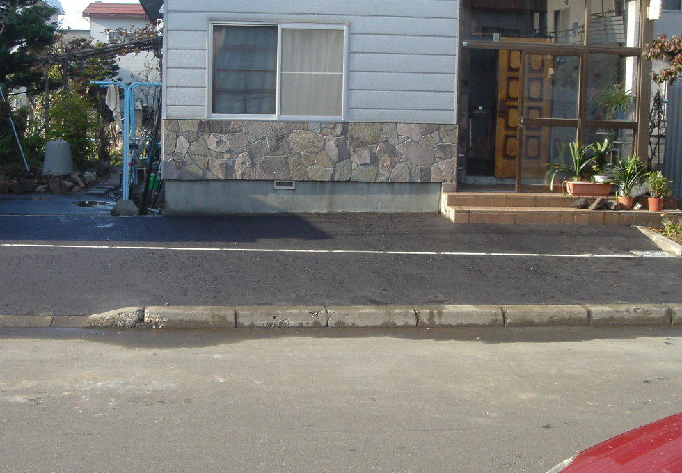 玄関アプローチと歩道の電気式ロードヒーティング工事(札幌市北区)