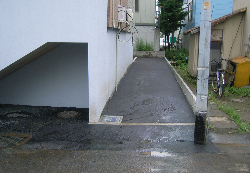 電気式ロードヒーティング工事アスファルト仕上げの事例(札幌市白石区)