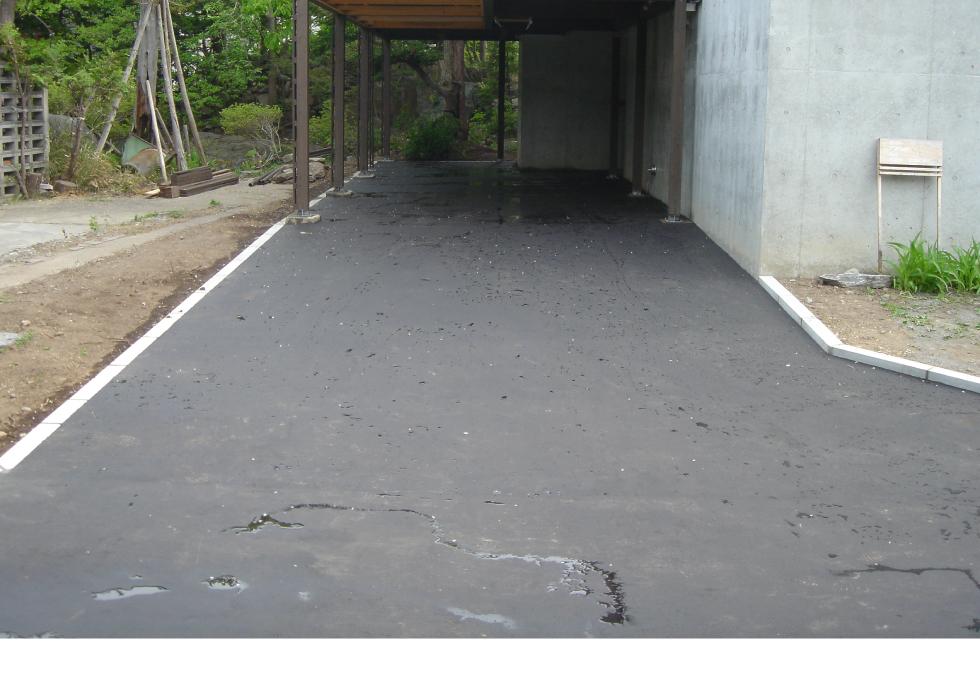 札幌市中央区アスファルト工事、通路奥の車庫完成写真