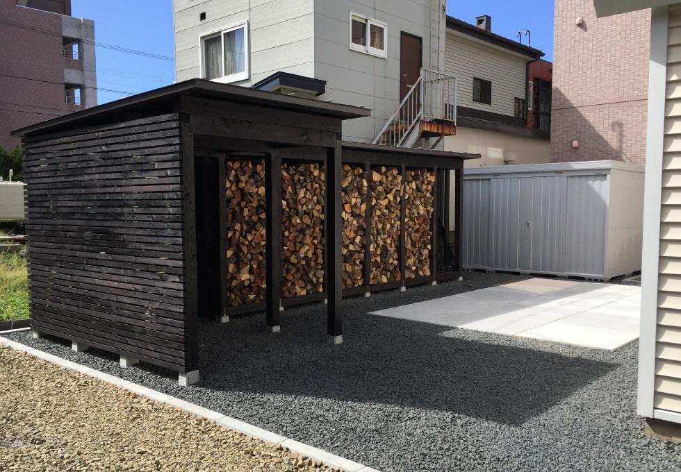 薪小屋を作りました!暖炉のあるお宅に完全オーダーメイド。